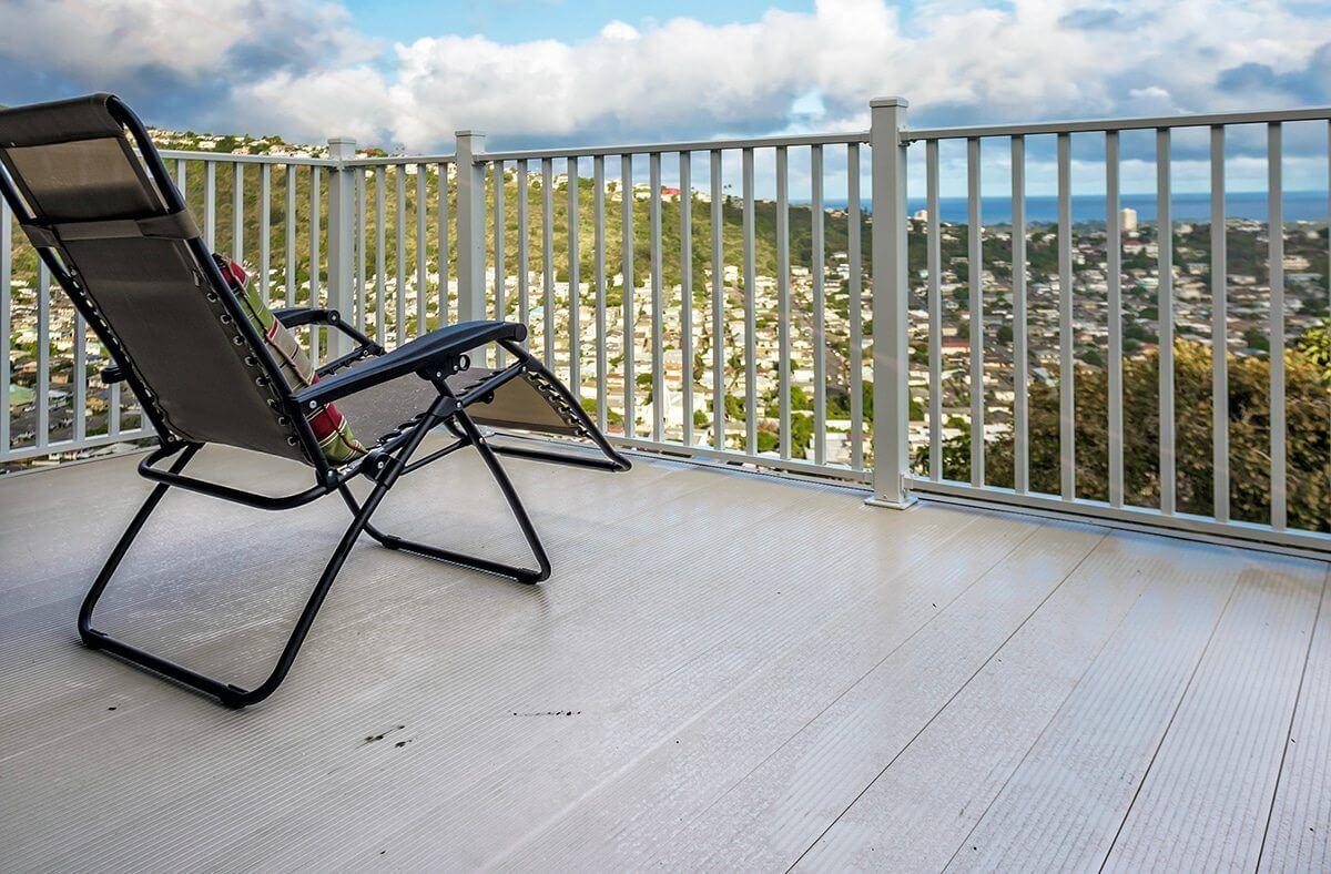 HawaiianVacationEstate&RealEstateDeveloperChoosesAridDekLow MaintenanceAluminumDeckingforRentalProperties WahooDecks WahooDecksAluminumDecking&DeckRailing