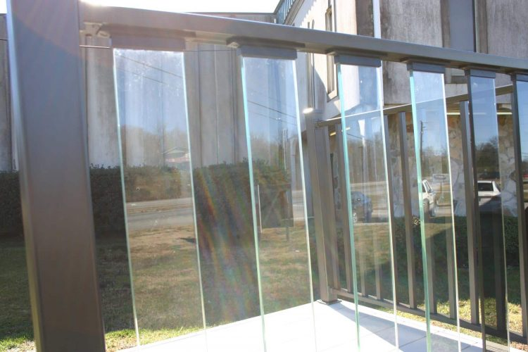 Wahoo Rail Glass Deck Rail 3
