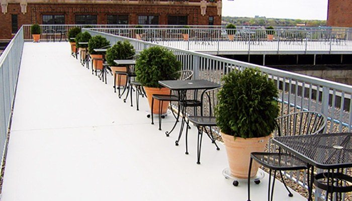 Wahoo Aluminum Decks - Decking Surface Product on Restaurant Roof