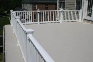deck design using AridDek aluminum decking low-maintenance decking