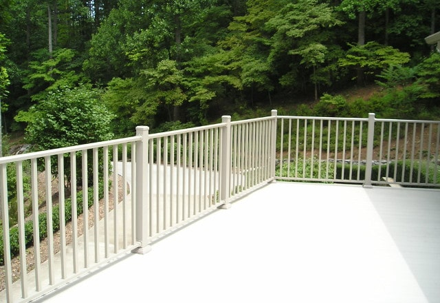 Wahoo Complete Balcony System Picket Railing